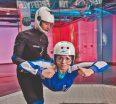 Bodyflying - loty w tunelu aerodynamicznym Skok ze spadochronem to niejedyna okazja do tego, aby poczuć, czym jest swobodne spadanie. Teraz to możliwe również dzięki lotom w specjalnych tunelach aerodynamicznych. Bodyflying to nie tylko sposób na doskonalenie techniki swobodnego spadania, ale również na świetną zabawę dla każdego.