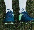 Jak wybrać buty do piłki nożnej Nie od dziś wiadomo, że to nie sprzęt, ale odpowiednia technika i systematyczne ćwiczenia uczynią każdego z nas dobrego i cenionego zawodnika. Jednakże bez odpowiedniegoobuwia sportowegotrudno nam będzie sprostać wymaganiom wybranej dyscypliny.